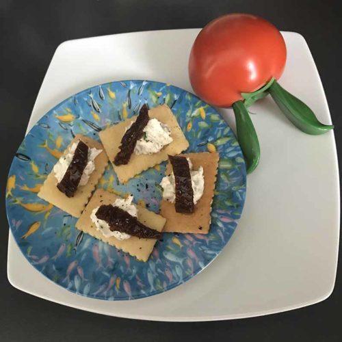 Focaccia croccante con formaggio spalmabile alle acciughe