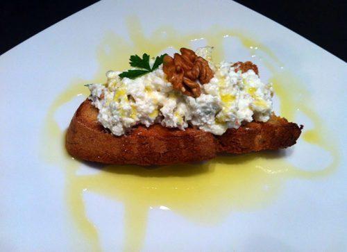Crostini speciali al gorgonzola
