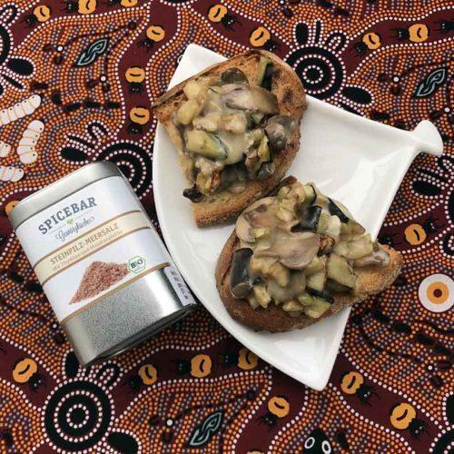 Bruschette con melanzane gorgonzola champignon e sale ai funghi Spicebar