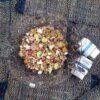 Insalata di farro con würstel e peperoni