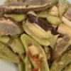 Foglie di ulivo con porcini e pomodorini