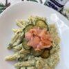 Penne con crema di mascarpone zucchine e salmone