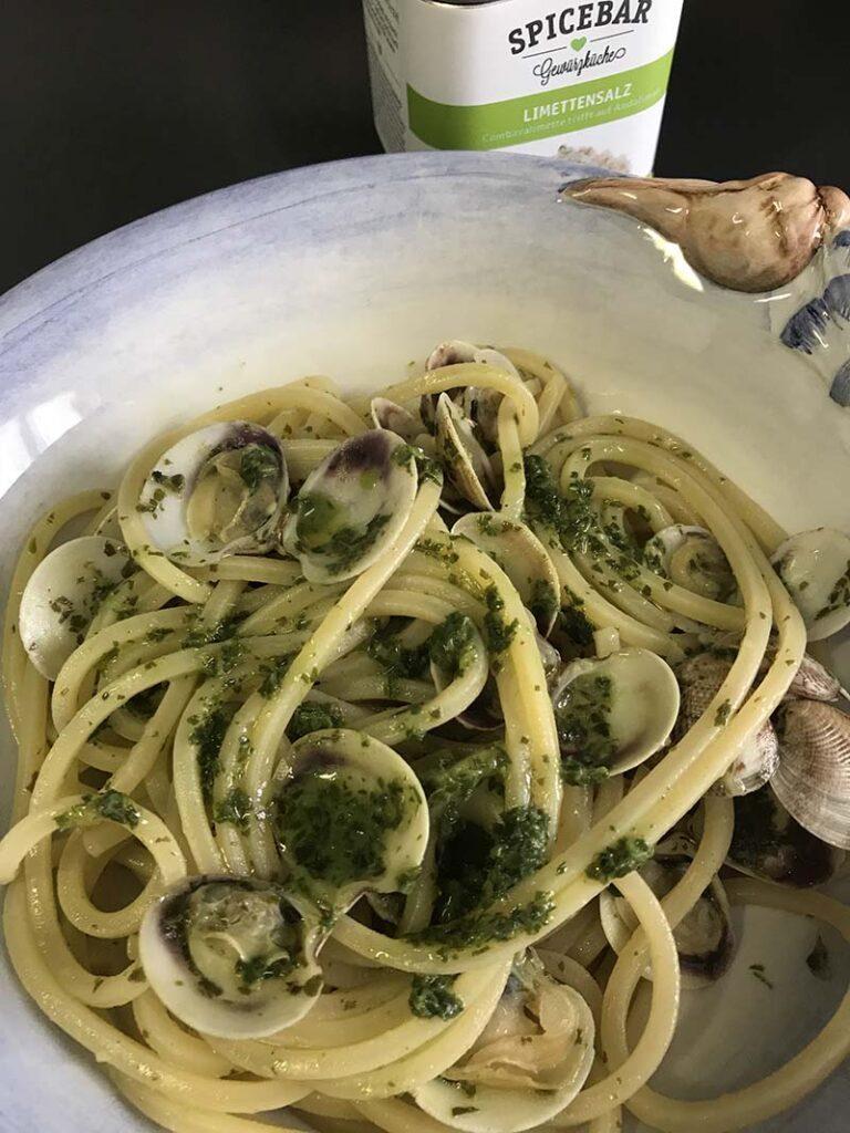 Spaghetti con lupini, salsa di rucola e sale aromatizzato al lime di Spicebar