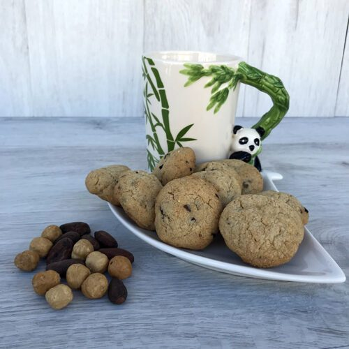 Biscotti alle nocciole e fave di cacao