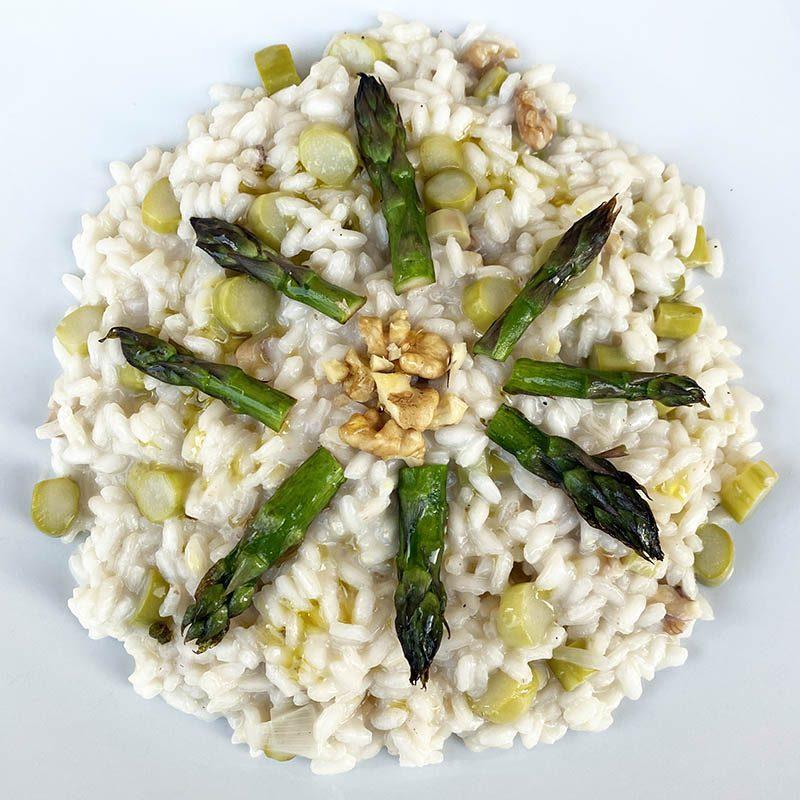 Risotto con asparagi e noci